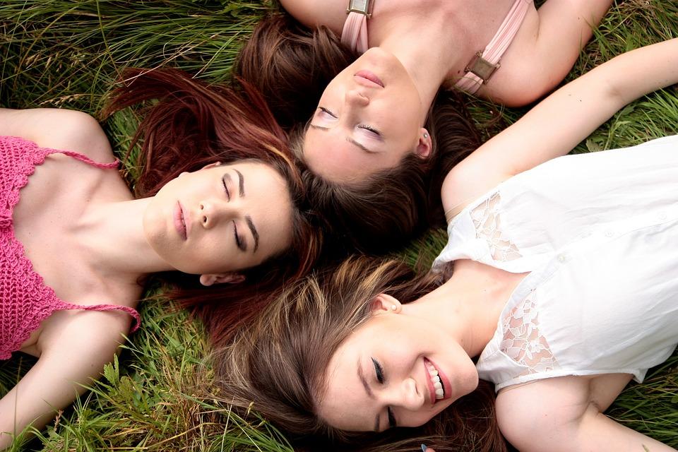 girls-1487825_960_720
